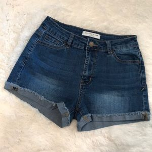 Encore jean shorts GUC